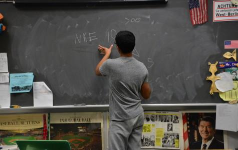 Students Learn to Manage Money in Investment Club