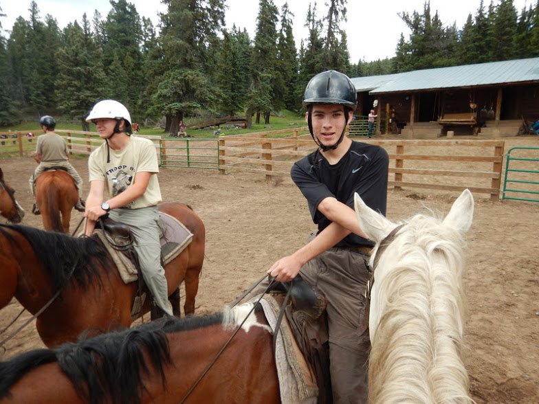 Chantilly+Alum+Roberto+Keuhn+goes+horseback+riding+with+his+troop.%0A