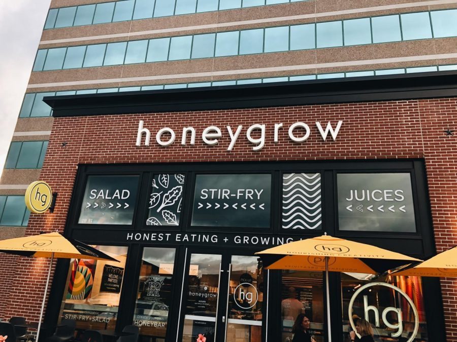 Honeygrow+has+an+aesthetic+setup+which+matches+the+theme+with+the+restaurant+and+the+food+served.