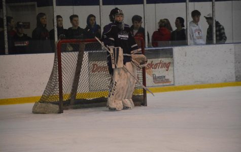 Chargers ice hockey heats up the season
