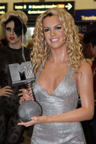 """Britney Spears"" by Eva Rinaldi Celebrity Photographer is licensed under CC BY-SA 2.0"