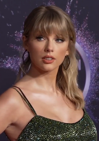 Taylor Swift performed at the 2019 American Music Awards where she won six awards.